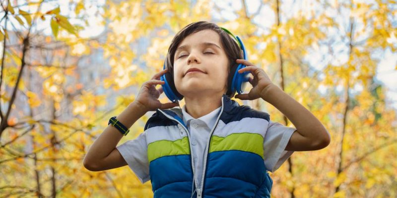 The Best Productivity Audiobooks You Can Listen to on Your Commute