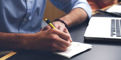 4 Research-Backed Reasons Taking Notes Improves Productivity