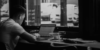 4 Struggles Freelancers Face When Doing Work in Coffee Shops