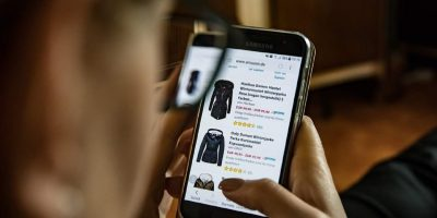Tips For Safe Shopping Online Featured